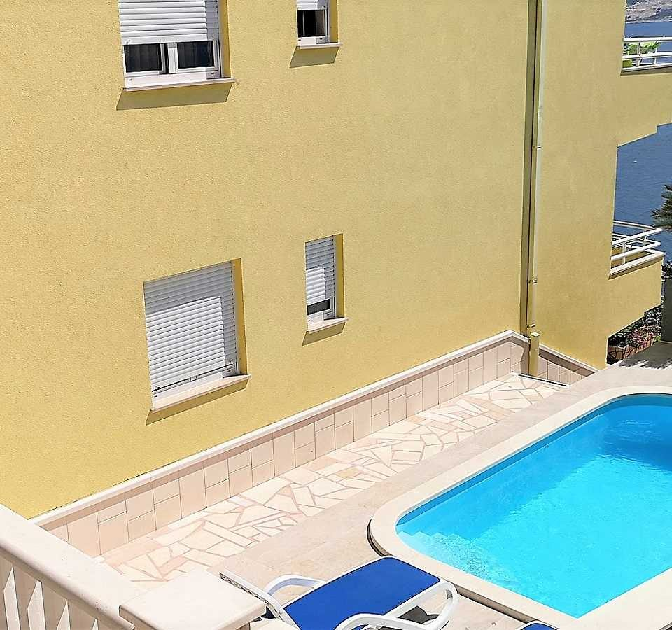 Výhled na bazén, villa mira Chorvatsko,
